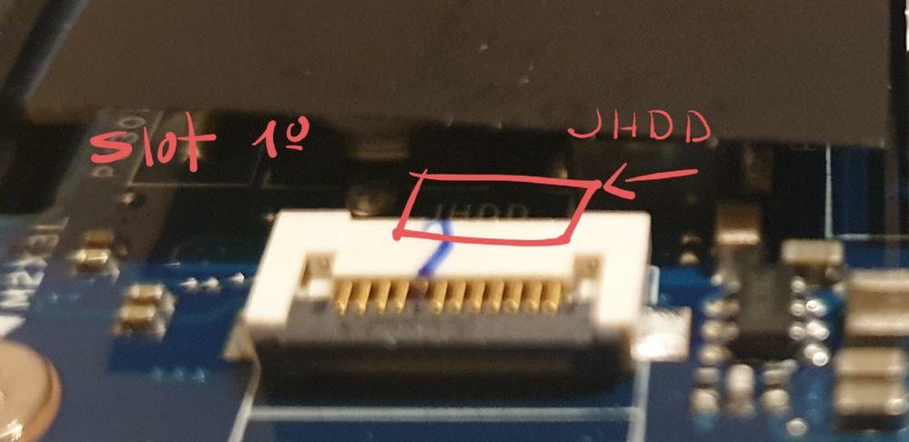 Este le llamo Slot 1º. En el que pone arriba HDD.