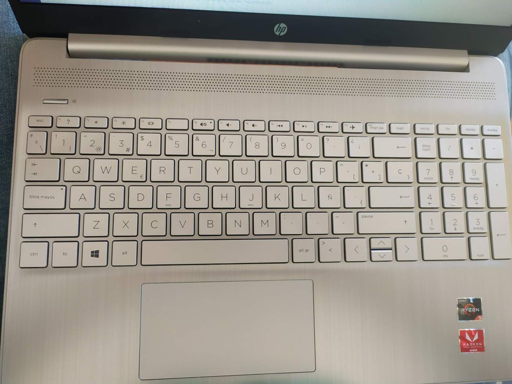 HP 15s-eq0025ns QWERTY